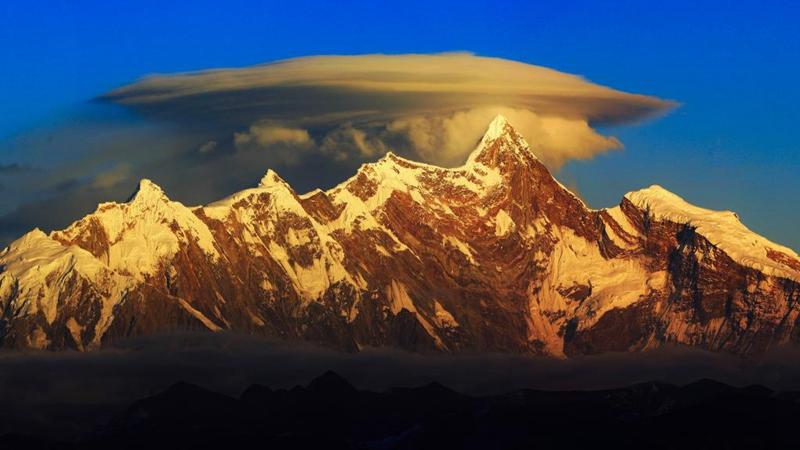 Landschaft von Nyingchi in Tibet