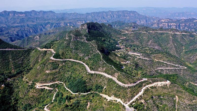 Ansicht der Bergstraße in Nordchinas Shanxi