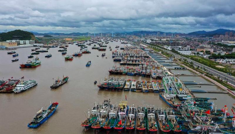 Zhejiang und Shanghai geben Warnungen vor dem Taifun Chanthu heraus