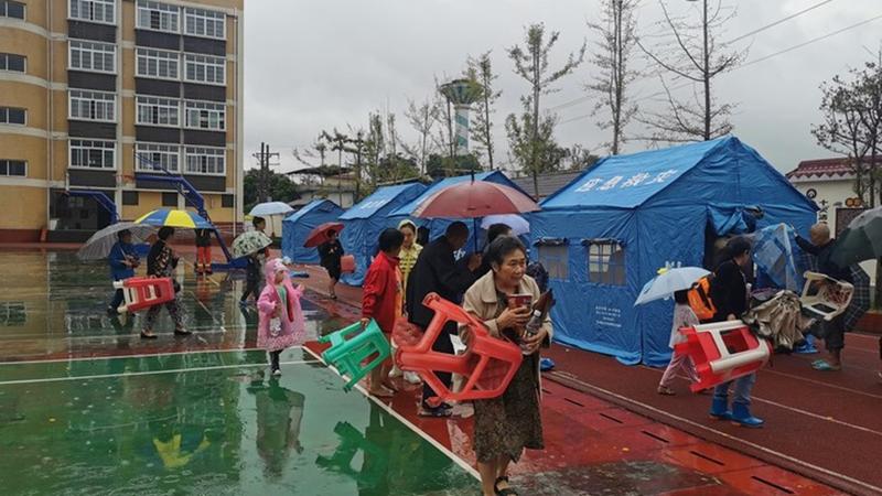 3 Tote und 60 Verletzte bei Erdbeben der Stärke 6,0 in Sichuan