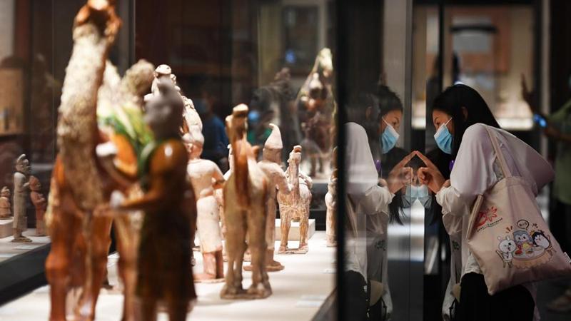 Henan-Museum zieht während Feiertage zum Mondfest zahlreiche Besucher an
