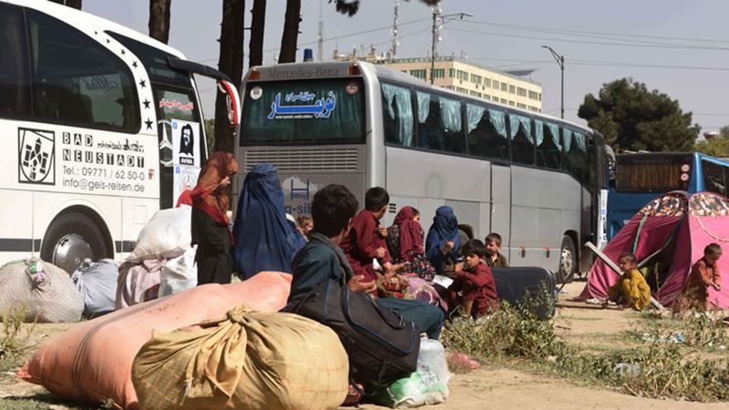 Fotoreportage: Vertriebene Afghanen warten in Kabul auf Rückkehr in Heimatorte