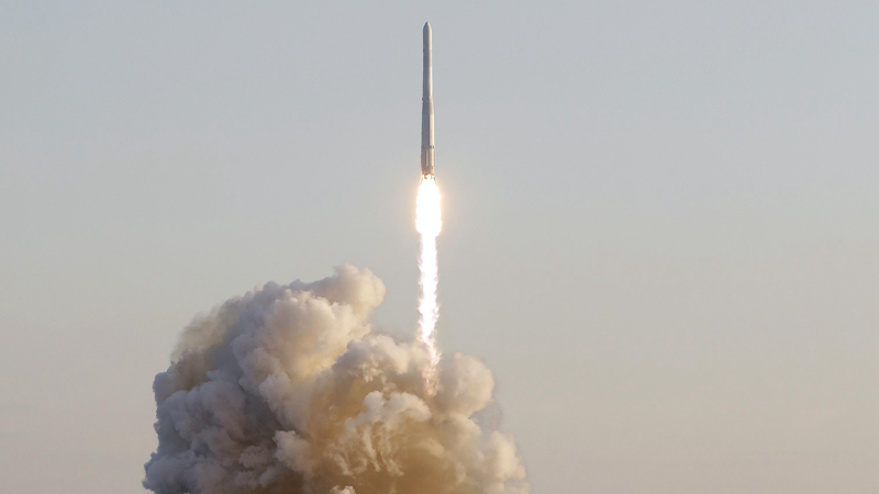 Südkorea startet erste selbstgebaute Rakete